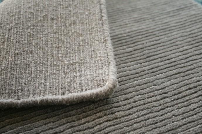 hand loomed rug quality